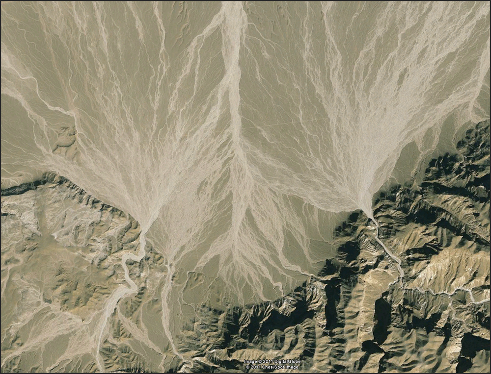 Love me those alluvial fan floods....    http://goo.gl/maps/mVnr