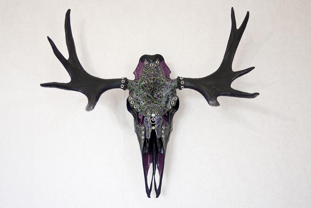 petra-shara-stoor-skull-art-xhairan-1.png