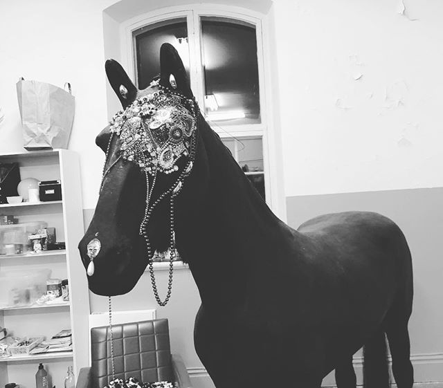 #blingbling horse 💫 one day he will be covered in bling bling. All over ✨#horse #art #artwork #sculpture