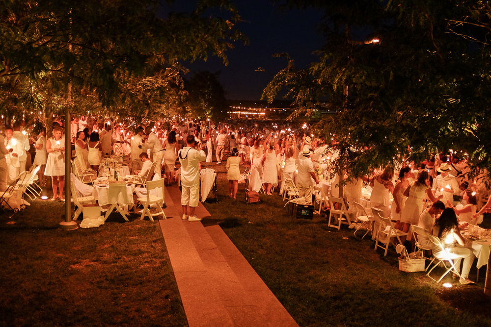 Guests of Diner En Blanc were provided with sparklers, which were all lit at the end of the night for a festive send-off.