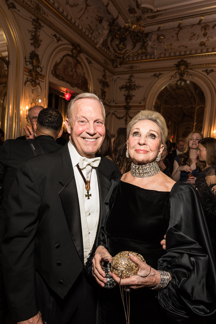 Attorney Robert Heggestad and horsewoman Rosemarie Bogley arrived with stunning white tie attire that showed a classic attention to decadent details.