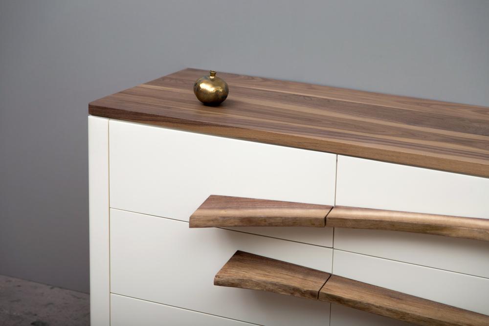 SENTIENTNiagara Dresser