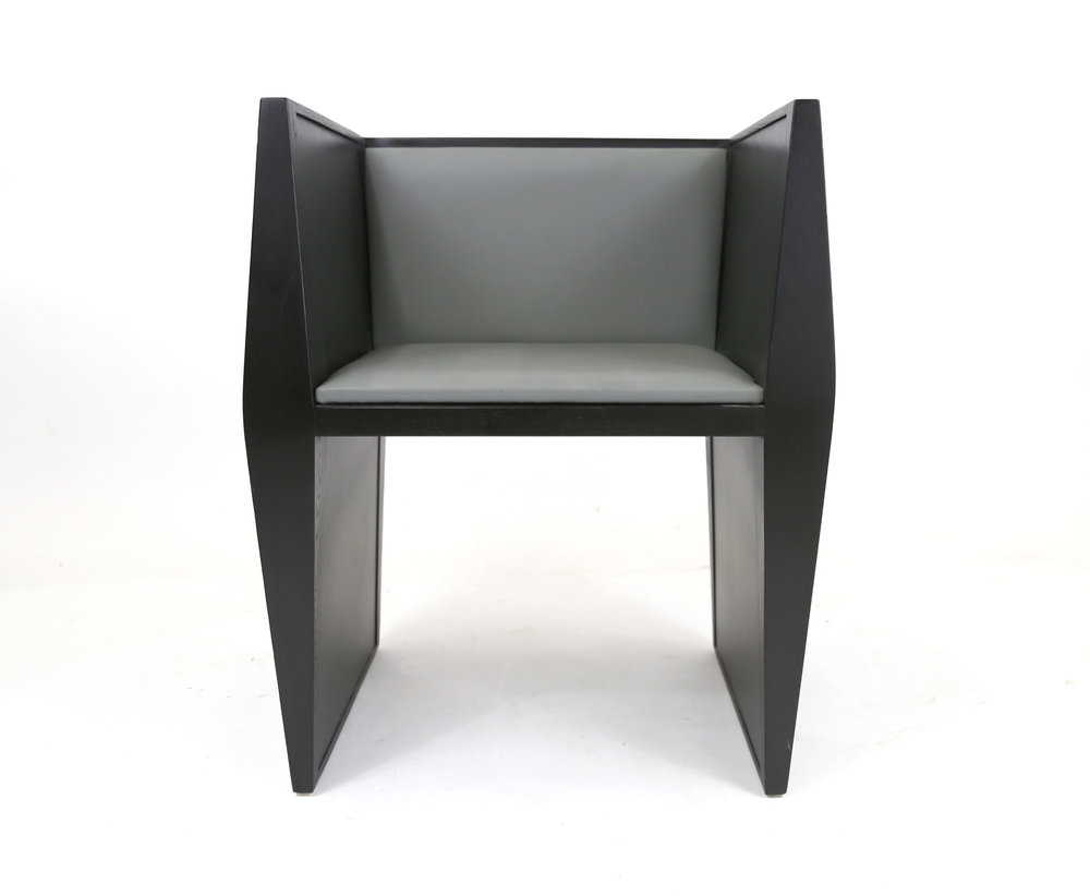 Sapience Chair in Black w/Grey Vinyl Seat