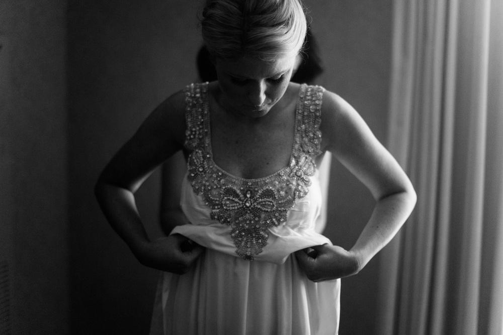 Kansas City Engagement & Wedding Photographer