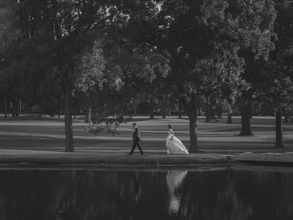 Kansas City Missouri Engagement & Wedding Photographer