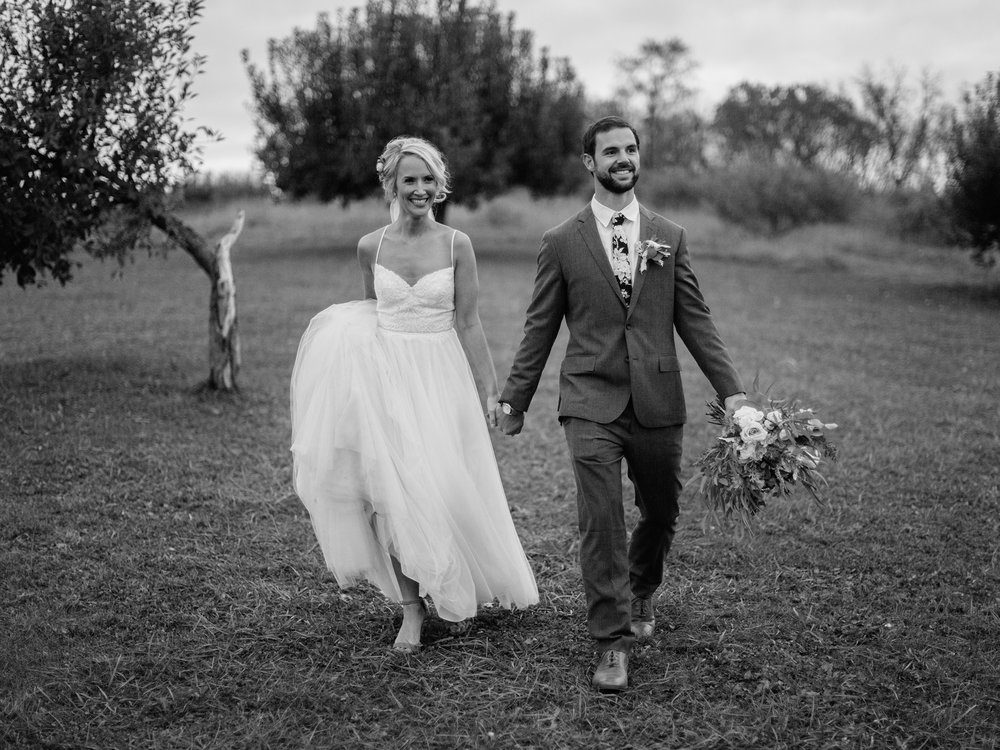 Weston Timber Barn Kansas City Wedding Photographer