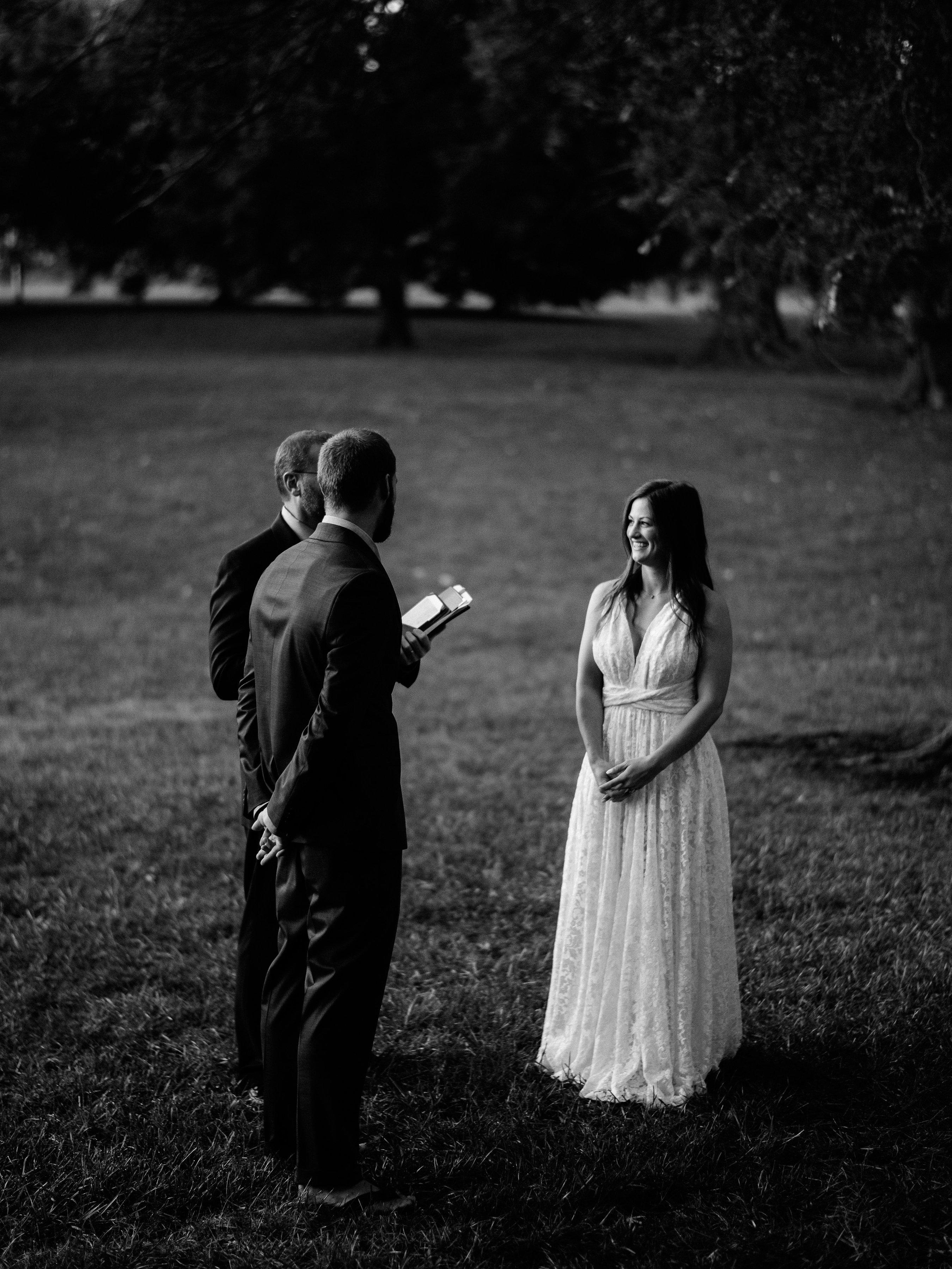 Kansas_City_Wedding_Elopement_Photographer_Loose_Park_8.jpg