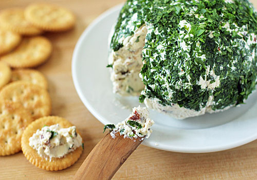 easy breezy holiday cheeseball