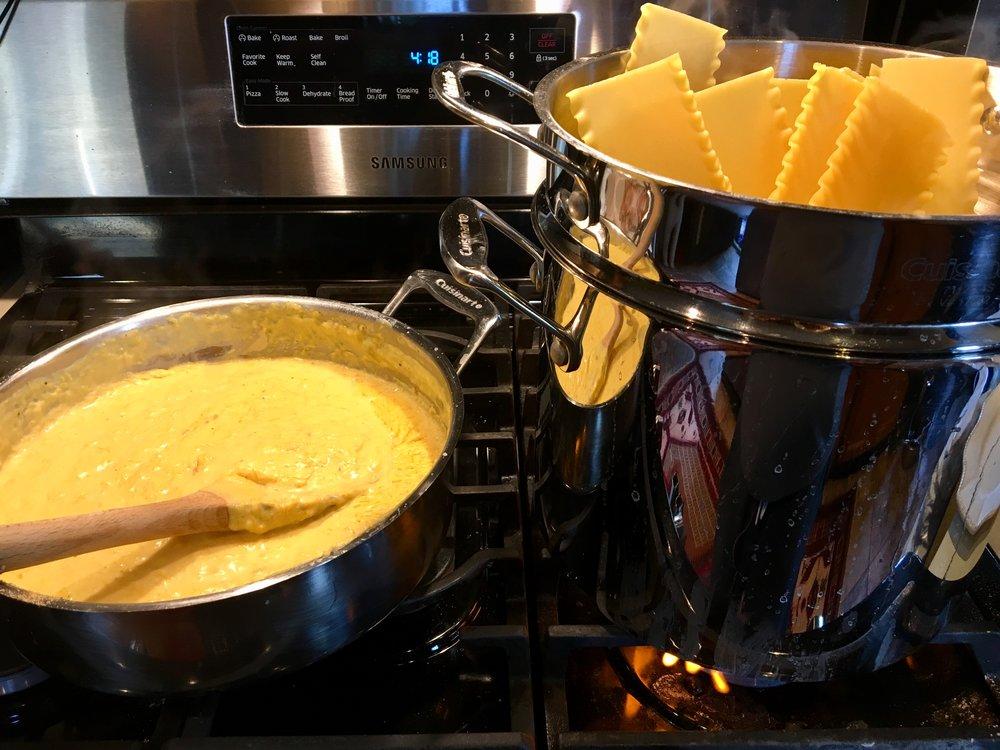 Pumpkin béchamel and cooking the pasta