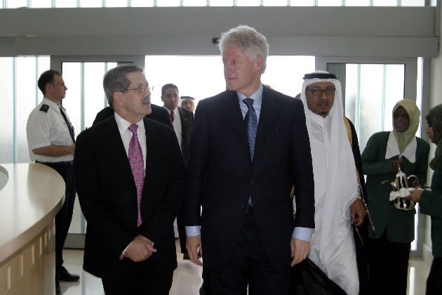 Bill Clinton in Qatar in 2004