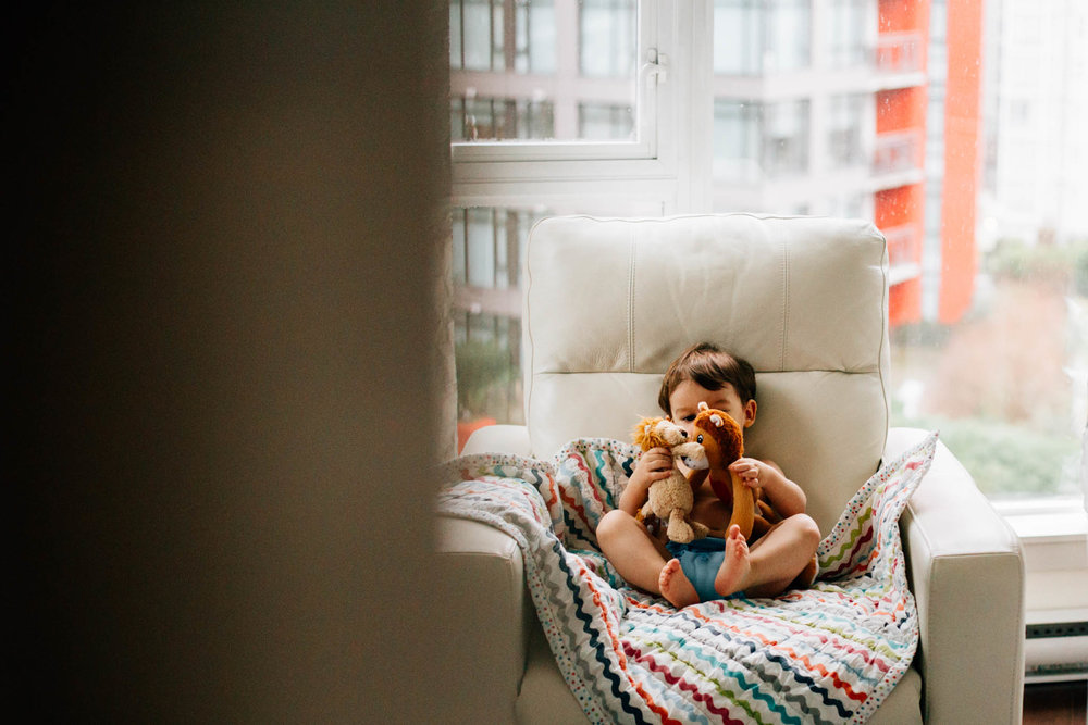 Vancouver lifestyle downtown family photographer - Emmy Lou Virginia Photography-3.jpg
