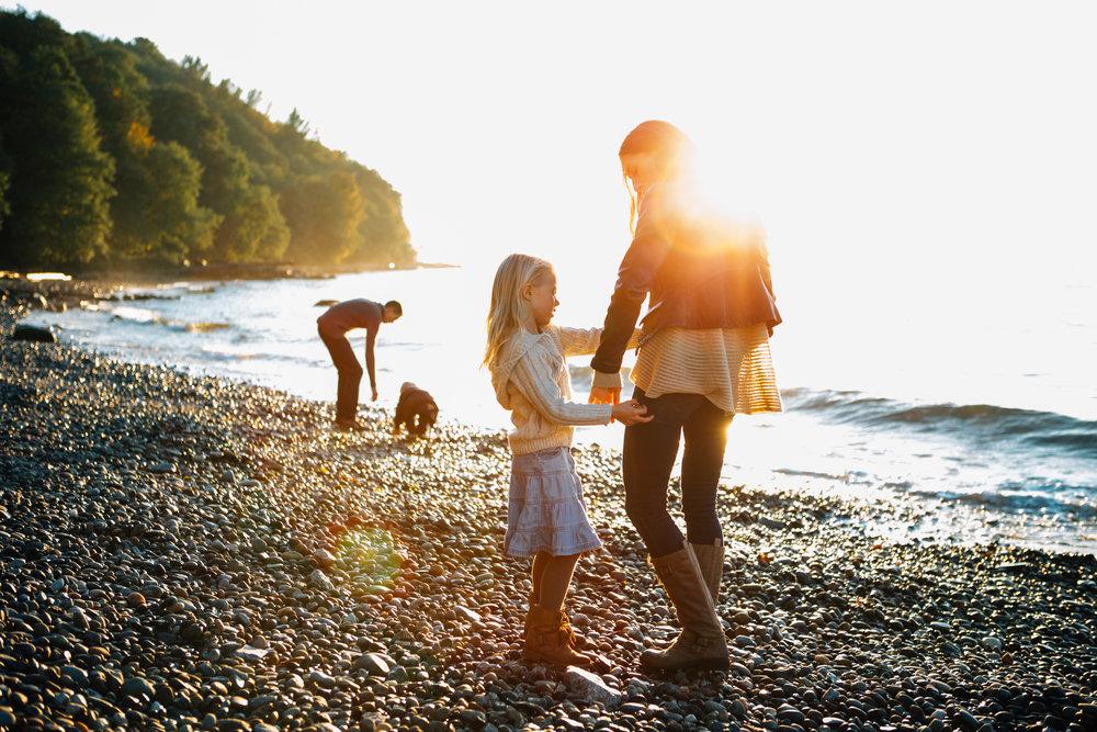 Vancouver Lifestyle Family Photographer-Emmy Lou Virginia-18.jpg