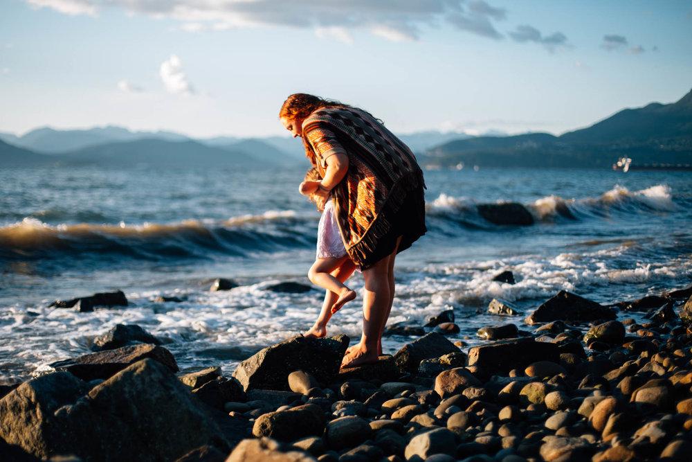 Kitsilano Tower Beach Vancouver Family Photographer - Emmy Lou Virginia Photography-3.jpg