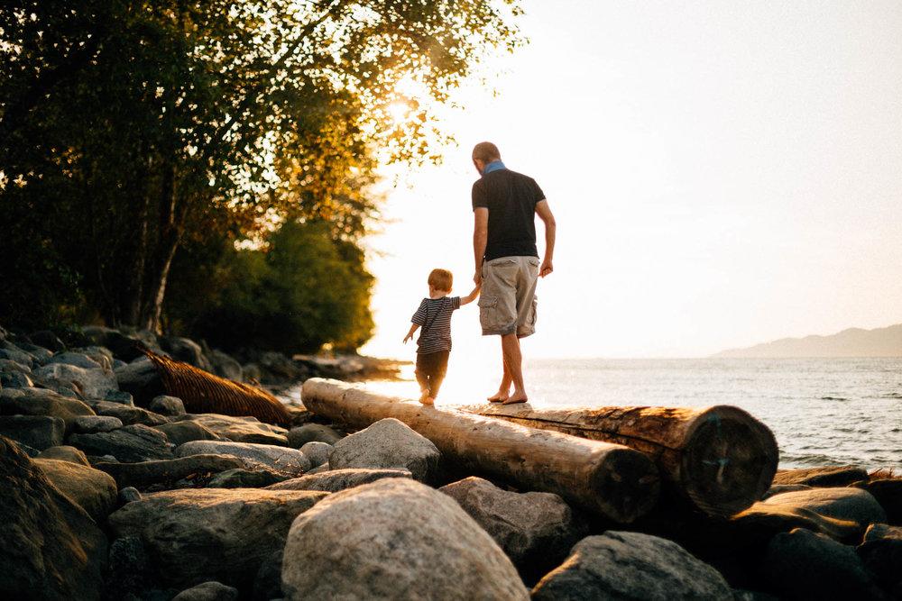 Kitsilano Spanish Banks Beach Family Photographer - Emmy Lou Virginia Photography-2.jpg