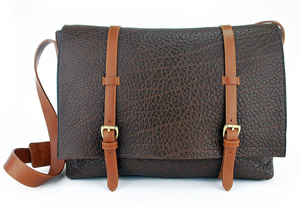 Shrunken-Leather-Mesenger-Bag-chocolate.jpg