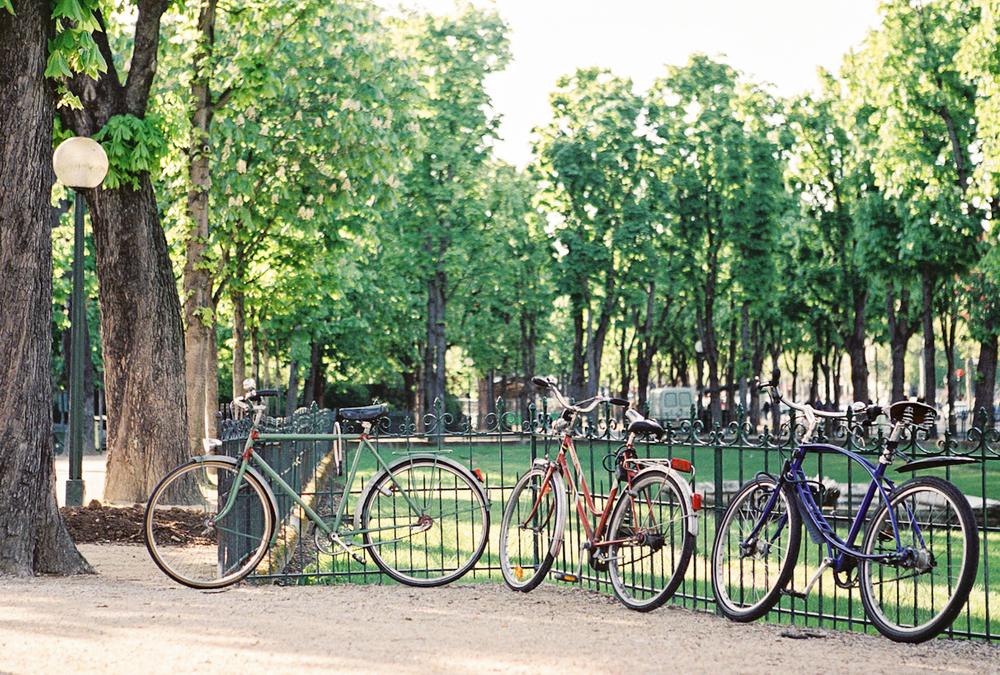 bicycles in paris