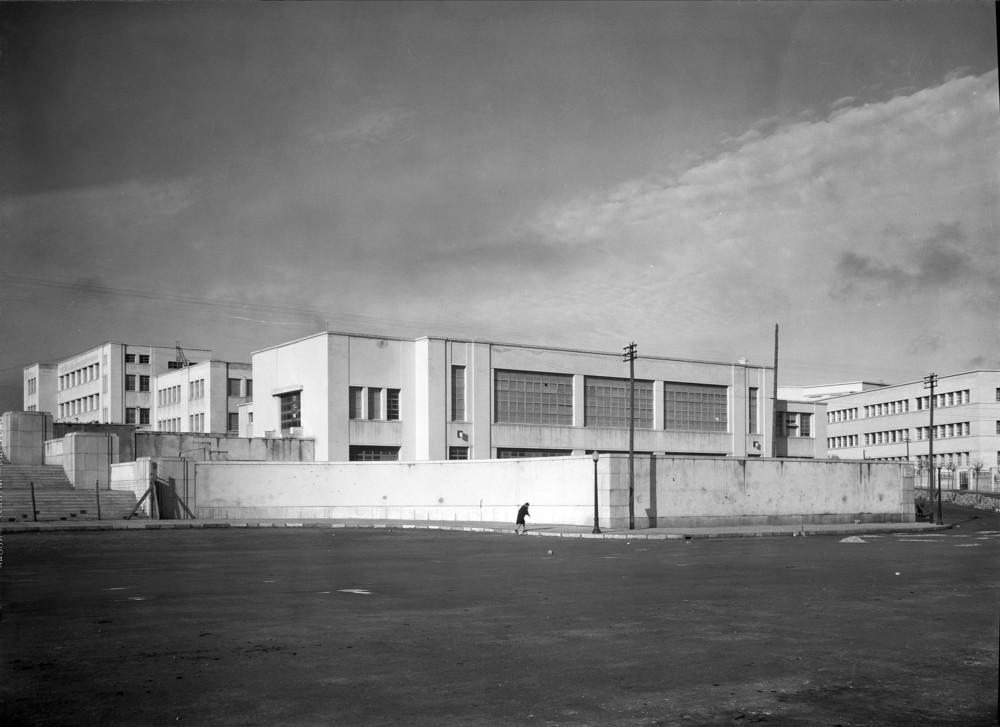 Instituto Superior Técnico, Lisbon  Photo: Mário Novais, ca. 1936-37, Lisbon  Biblioteca de Arte da Fundação Calouste Gulbenkian [CFT003_100960]