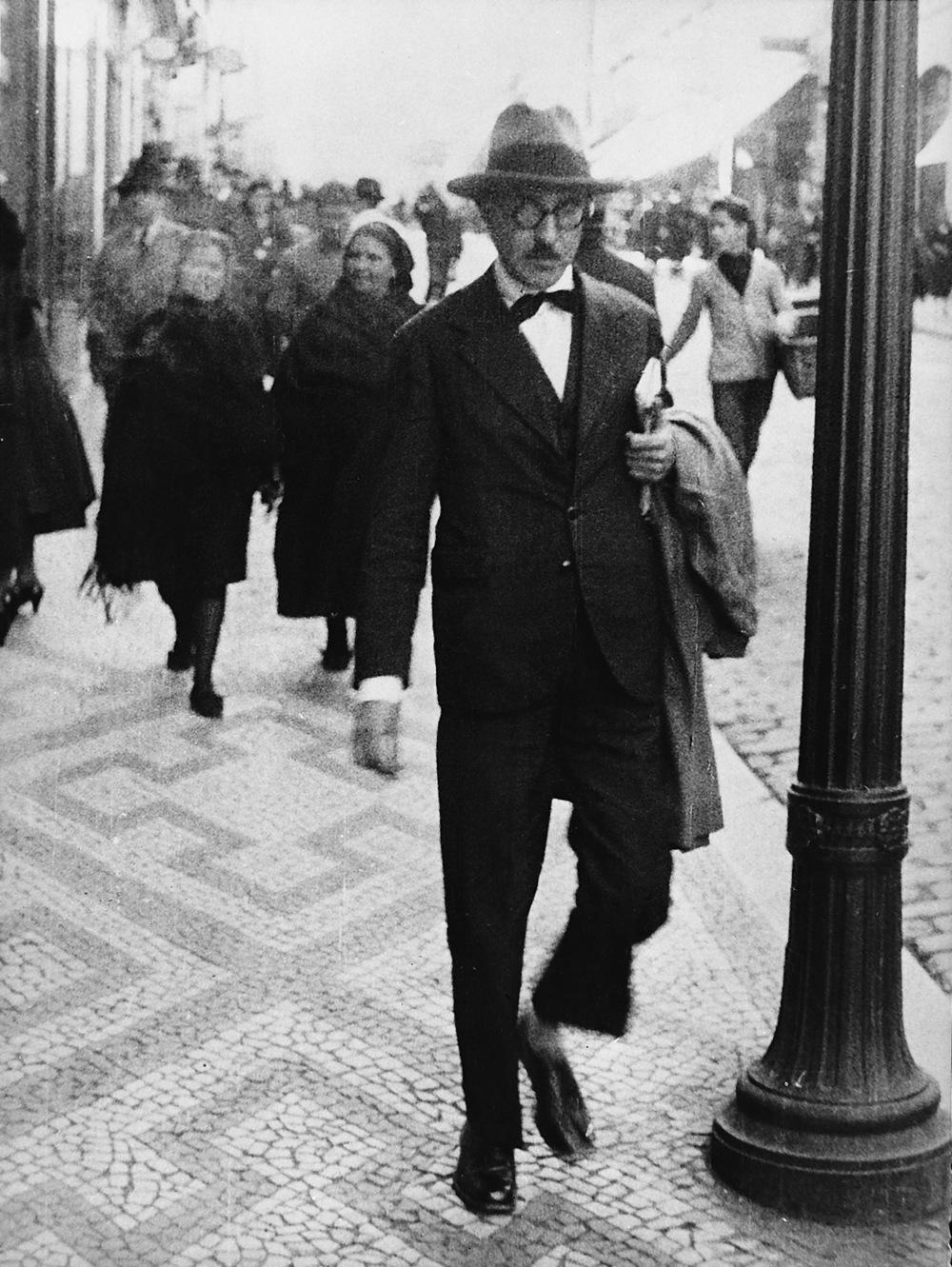 Fernando Pessoa, Lisbon,1920-1935