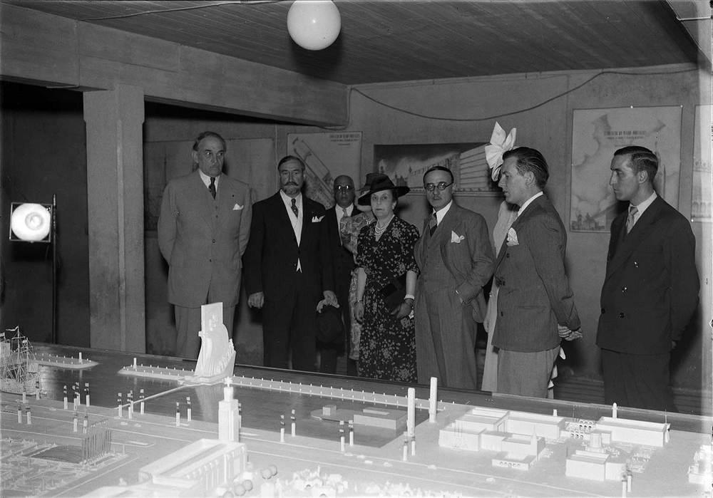Photo: Estúdio Horácio Novais, ca. 1930-40, Lisbon  Biblioteca de Arte da Fundação Calouste Gulbenkian [CFT164_02649]