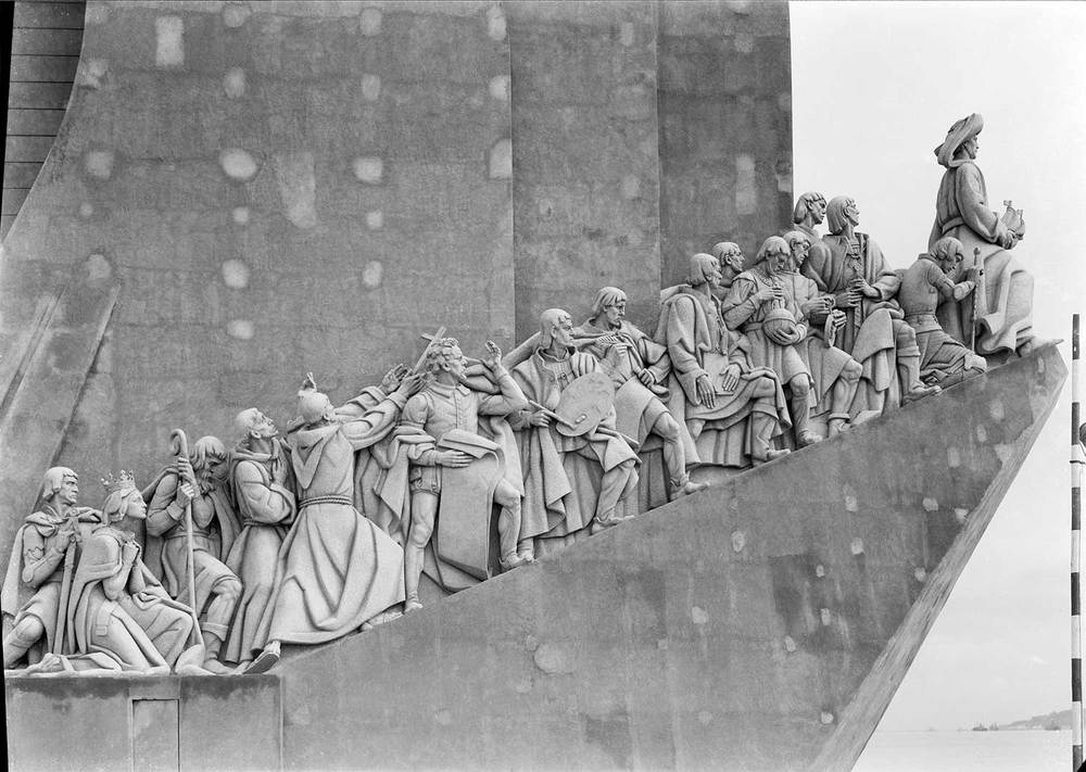 THE MONUMENT TO THE DISCOVERIES  Photo: Mário Novais, 1940, Lisbon  Biblioteca de Arte da Fundação Calouste Gulbenkian [CFT003_015686]