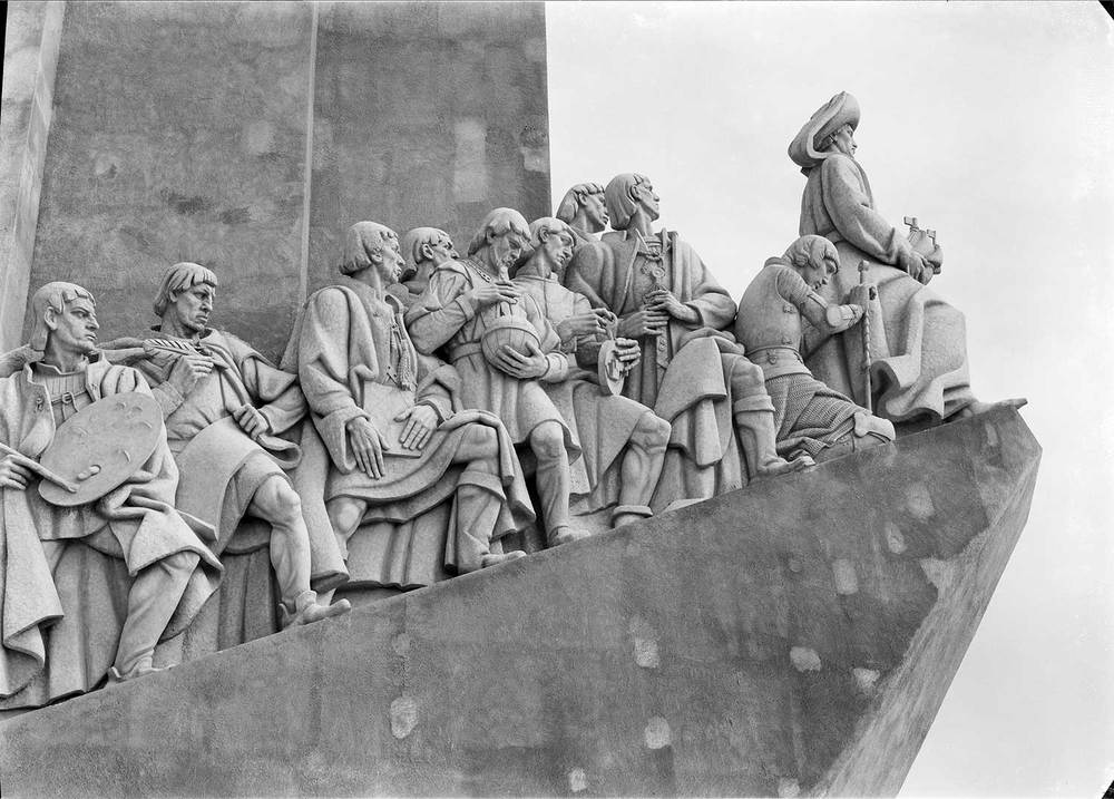 THE MONUMENT TO THE DISCOVERIES  Photo: Mário Novais, 1940, Lisbon  Biblioteca de Arte da Fundação Calouste Gulbenkian [CFT003_015687]