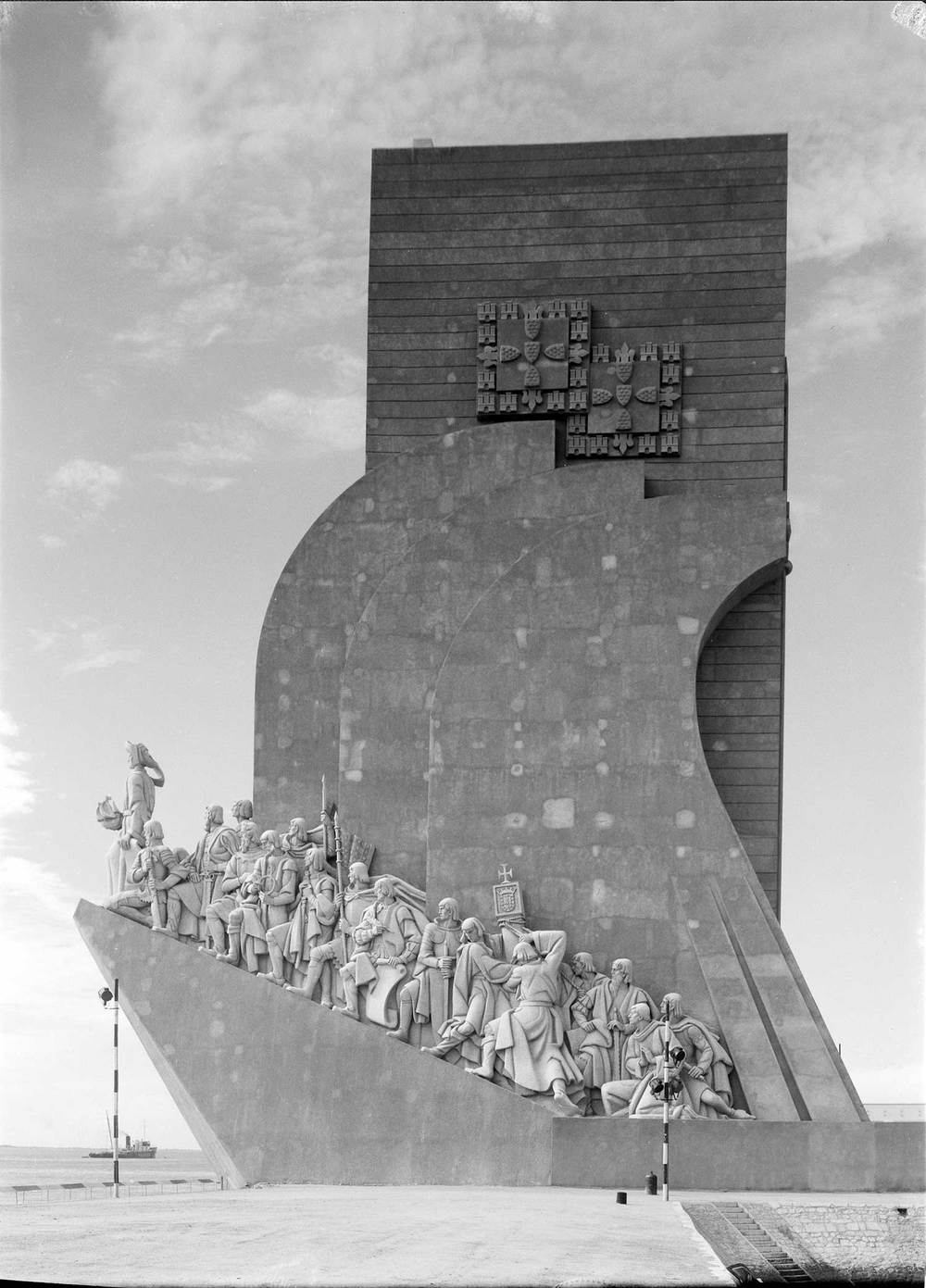 THE MONUMENT TO THE DISCOVERIES  Photo: Mário Novais, 1940, Lisbon  Biblioteca de Arte da Fundação Calouste Gulbenkian [CFT003_015689]