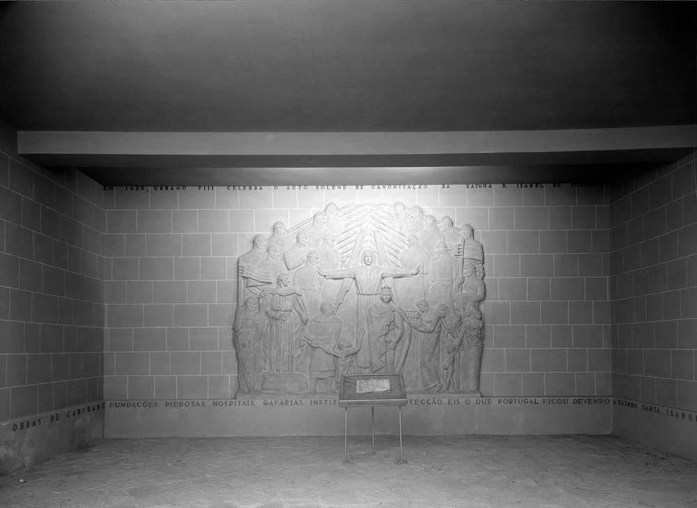 Photo: Estúdio Horácio Novais, 1940, Lisbon  Biblioteca de Arte da Fundação Calouste Gulbenkian [CFT003_025651]