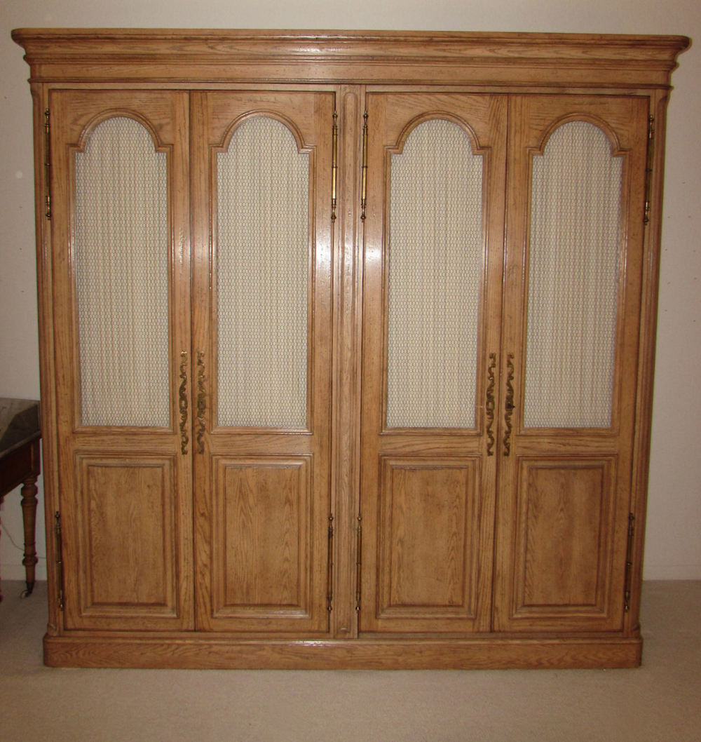 Auffray co french country louis xv double armoire for Armoire roche bobois