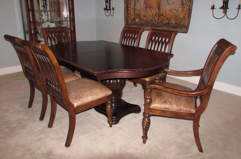Bernhardt Double Pedestal Dining Table Plus 6 Leather