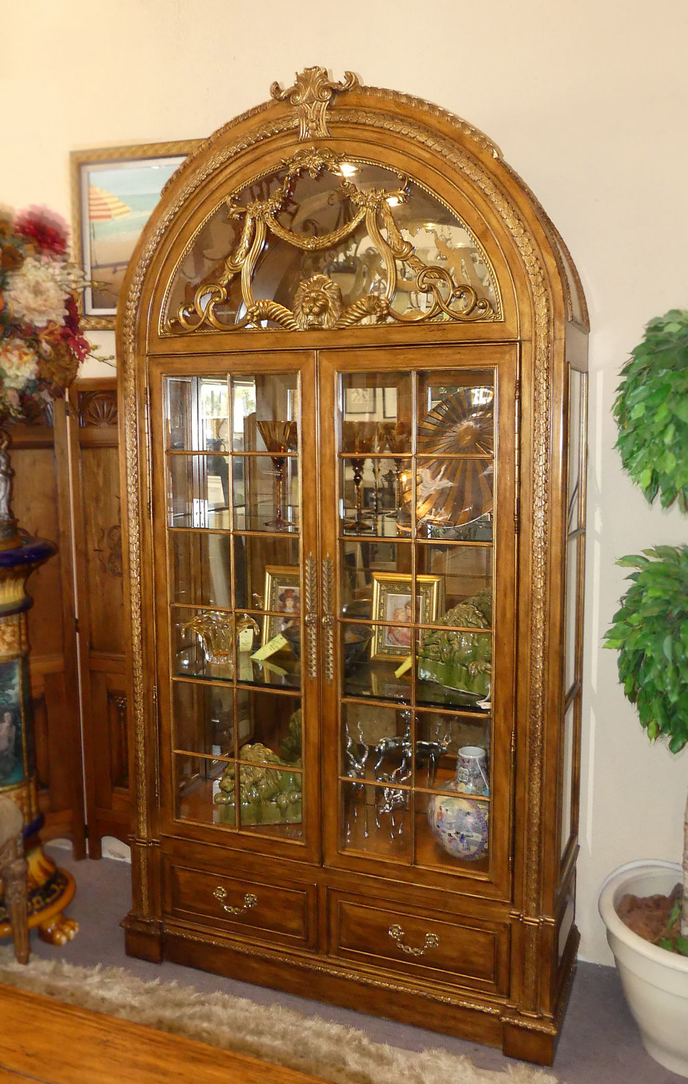 View the coordinating Curio Cabinet here...