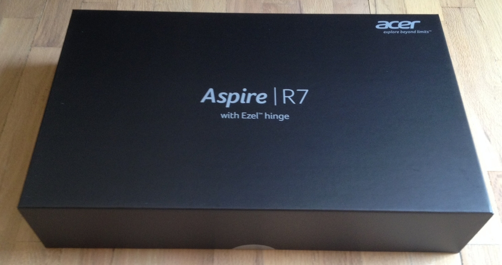 The box itself is an elegant black carrying case very reminiscent of Apple packaging.