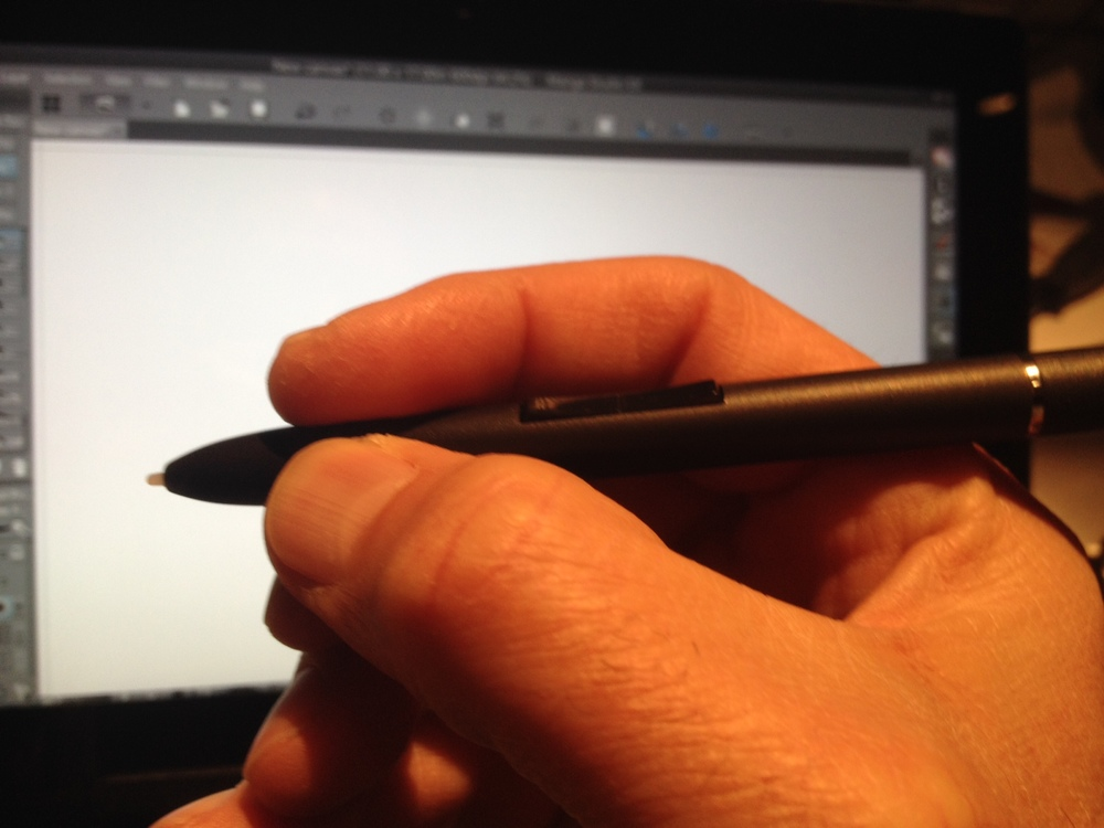 The button placement of the T-5000 allows your fingers to steer clear if you hold the pen close to the tip.