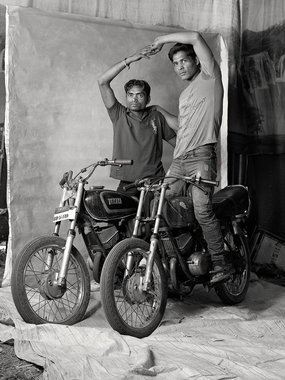DEATH-WELL MOTORBIKE RIDERS, $40-55 WEEKLY, 2012