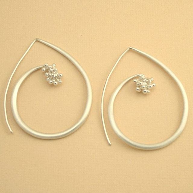 These #hoops are fun for dressing up or down, day or night. One of my favorite statement earrings ❤️ #magallyjewelry #earrings #silver #handmade #handmadejewelry #designer #designerjewelry #instajewelry #jewelrygram #style #whatiwore