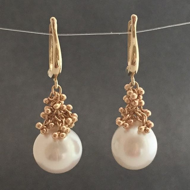 Luscious beauties in natural light. #magallyjewelry #finejewelry #pearls #tahitian #gold #designer #designerjewelry #wedding #bridal #instajewelry #jewelrygram