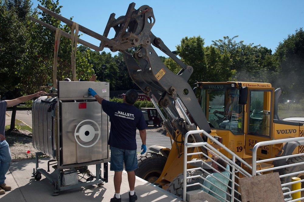 website option Moving Heavy Lab equipment2.jpg