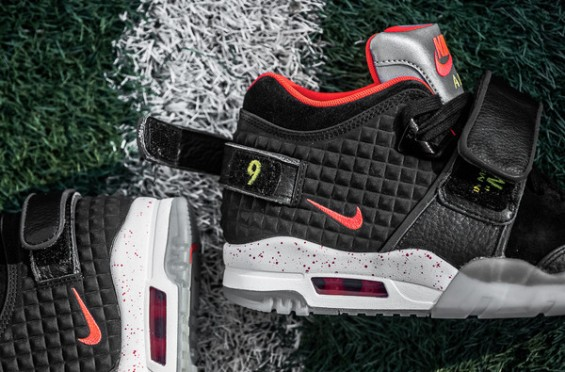 "Nike Air Trainer Cruz ""Memory of Mike"" 2"