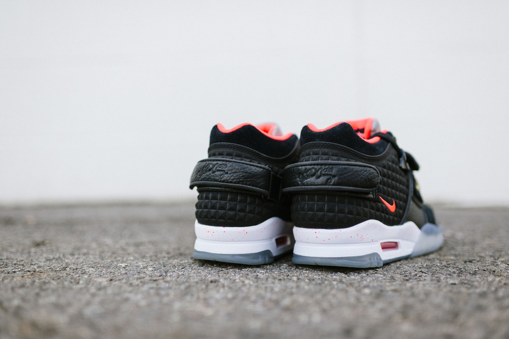 "Nike Air Trainer Cruz ""Memory of Mike"" 4"