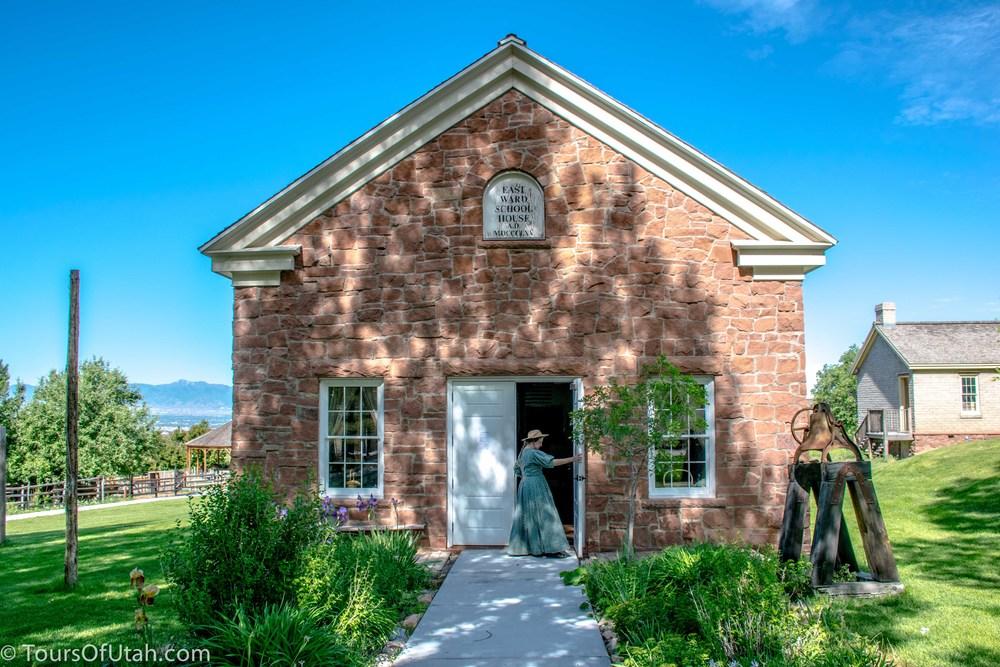 Mormon Pioneer Building Tour