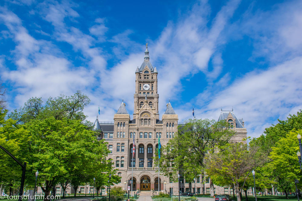 Utah Sightseeing Bus Tours Salt Lake City County Building Landmark