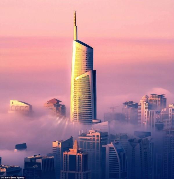 Prjkt Dump_5_sebastian opitz_cloud city_1.jpeg