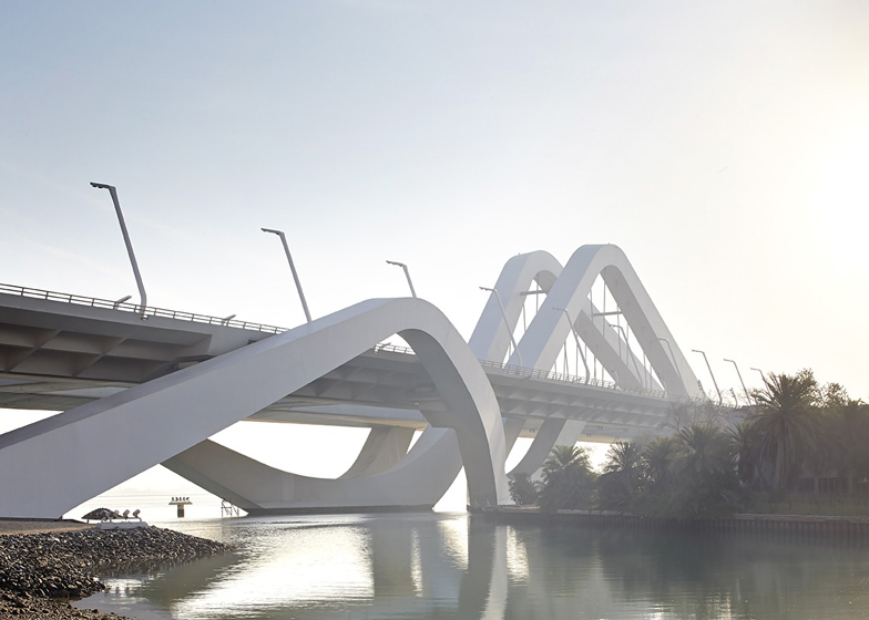 Prjkt Dump_7_Hufton+Crow&Zaha_Sheikh Zayed Bridge_3.jpeg