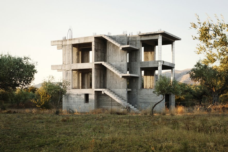 Prjkt Dump_1_Patrick van Dam_Modern Greek Ruins_3.jpeg
