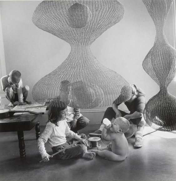 Shared_Ruth Asawa_b_3_with children.jpeg