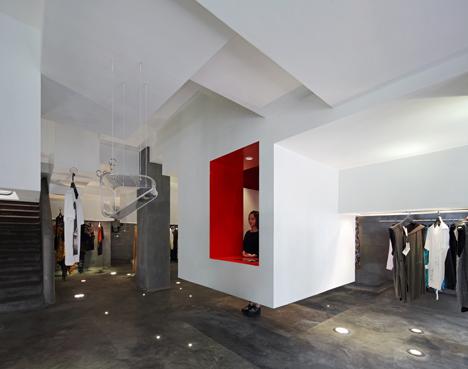D2C-concept-store-by-3Gatti-Architecture-Studio_dezeen_2.jpeg