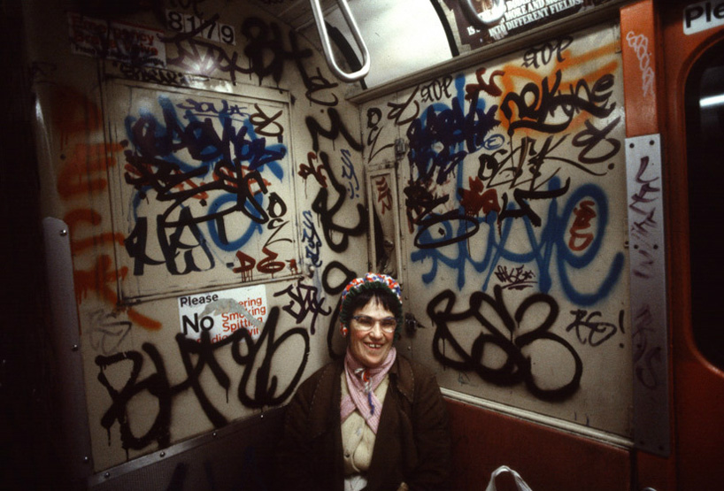 christopher-morris-photographs-the-gritty-nyc-subway-in-1981-designboom-09.jpeg