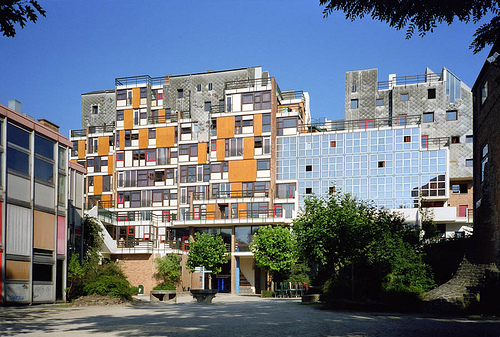 Lucien Kroll, student's residential block at Louvain University, Brussels.