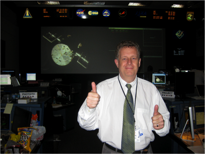 Matt Mountain at the Johnson Space Center in May 2009 as the STS-125 Shuttle astronauts approach the Hubble Space Telescope, the first time the telescope had been seen since 2002.