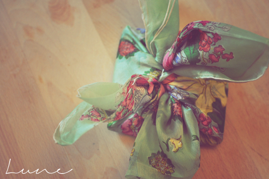 furoshiki+silk+scarf+lune+3.jpg