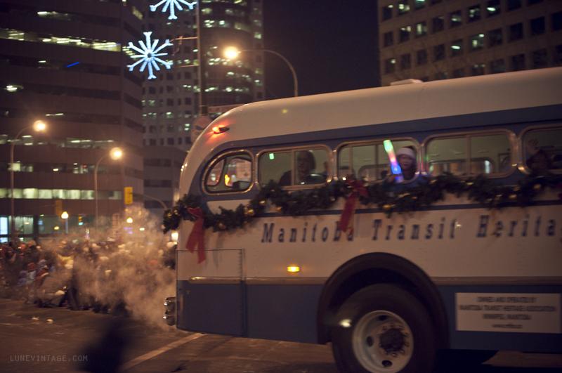 santa+parade+2012+lune+vintage+6.png